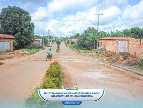 Prefeitura Municipal de Matões recupera ponto intrafegável na Avenida Parnarama