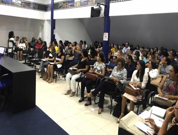 FAMEM realiza curso sobre educação especial