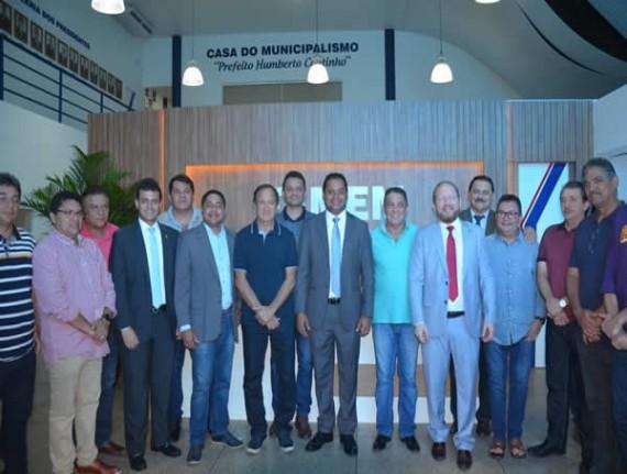 Weverton visita FAMEM e reafirma compromisso com pauta municipalista