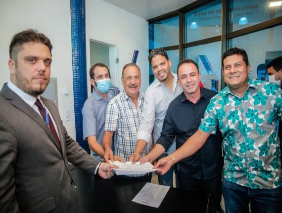 Prefeito de Igarapé Grande, Erlanio Xavier registra chapa 01 para eleição da  Famem