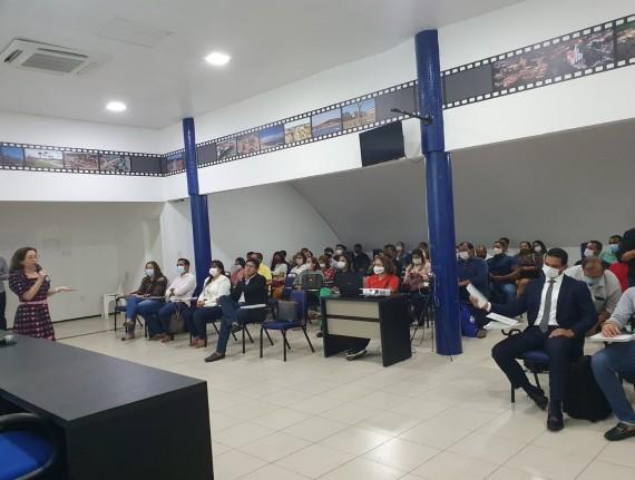 Famem realiza formação sobre 'Legislação de pessoal no serviço público' para agentes públicos municipais