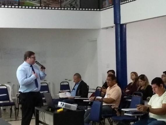 CNM Qualifica realiza curso sobre 'Rotina de Compras' em parceria com Escola de Gestão Municipal