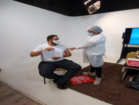 Profissionais de comunicação da Famem recebem a 1ªdose da vacina contra Covid-19