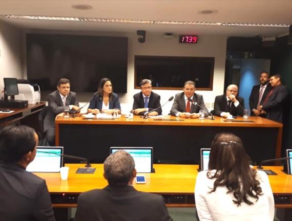 Cleomar Tema pede à bancada federal total empenho na votação de pauta municipalista