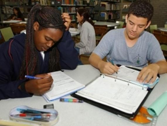Prazo para adesão ao Programa Escola do Adolescente (PEA) encerra no dia 21 de janeiro