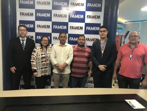 Prefeito de Davinópolis, Raimundo Martins, visita Famem