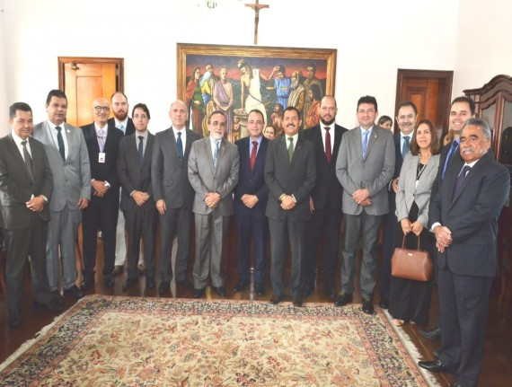 Famem e Tribunal de Justiça firmam parceria para conciliar conflitos