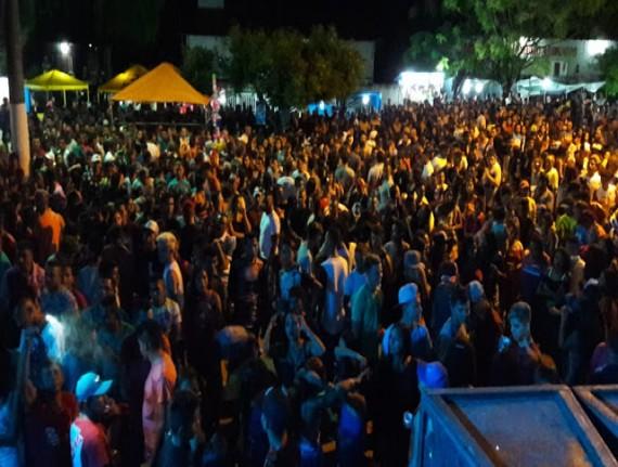 Última noite de Festejos em Salgadinho é sucesso de público
