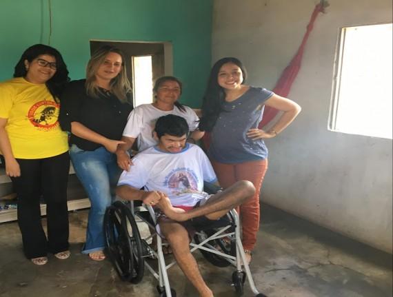 Prefeitura de Água Doce, Através da secretaria de Saúde em parceria com o NASF, Entrega Cadeira de Rodas…
