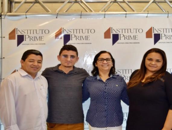 Secretários e servidores da Prefeitura de Buriticupu participam…
