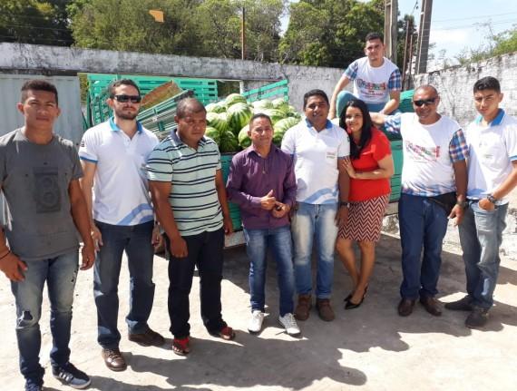 PNAE - Agricultores familiares realizam entrega de novos produtos para merenda escolar