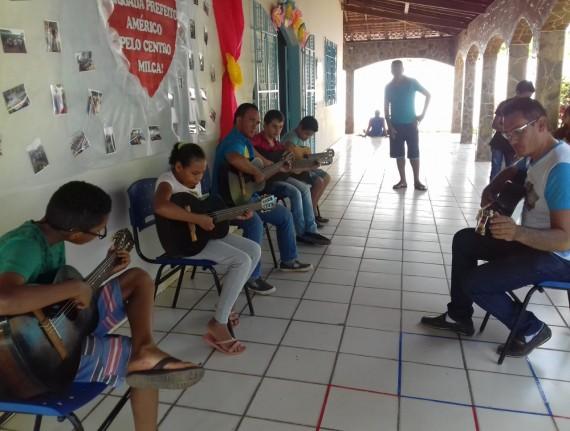 Pacientes do Centro de Apoio Milca Gardênia Oliveira de Araújo…