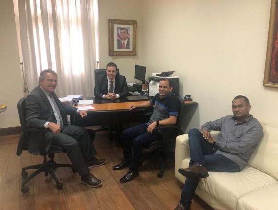 Prefeito Maguila se reuniu com secretários de Estado e presidente de estatual na capital São Luís