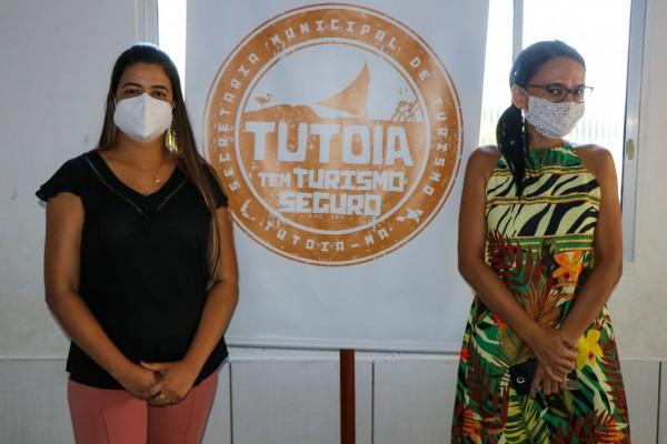 Palestrante Michelle e Secretaria de Turismo, Fernanda Souza.