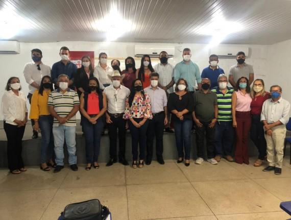 Educação de Porto Franco participa de reunião na UREI sobre Agenda de Compromissos pela Alfabetização.