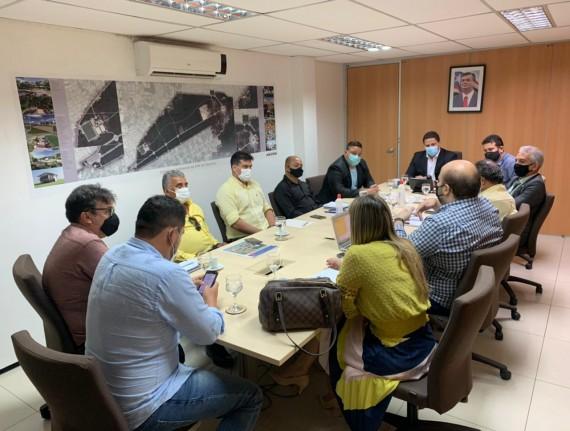 Secretário Márcio Greick participa de reunião com gestores municipais…
